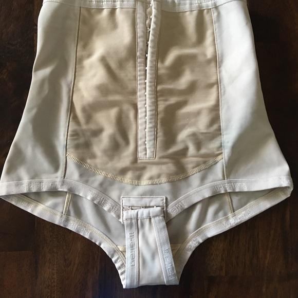 Bellefit postpartum corset  Size medium